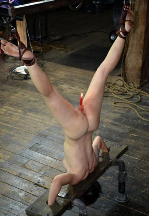 蝋燭をアソコにぶっ刺して「ハッピバースデートゥーユー」してる女。。(画像あり)・8枚目