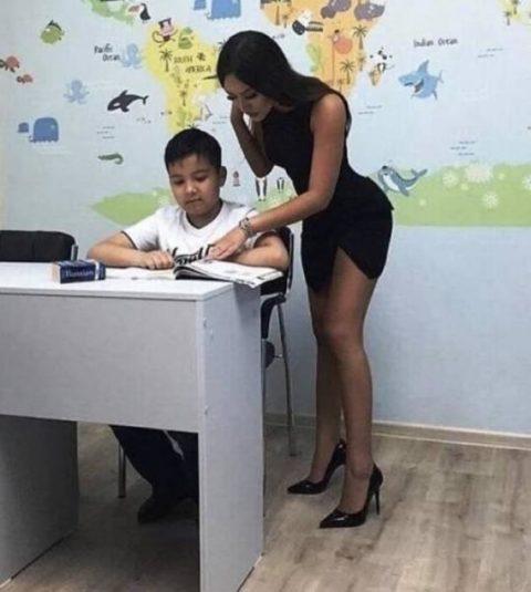 世界のエロ女教師さん、撮影され「子供を誘ってる」と批判されるwwwwww(画像あり)・9枚目