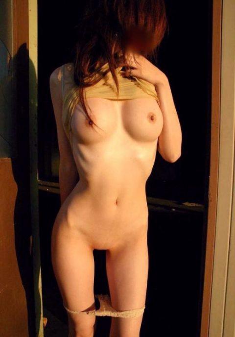 """""""肋骨""""が浮き出る超スレンダー女子のエロすぎボディーをご覧ください。(29枚)・1枚目"""