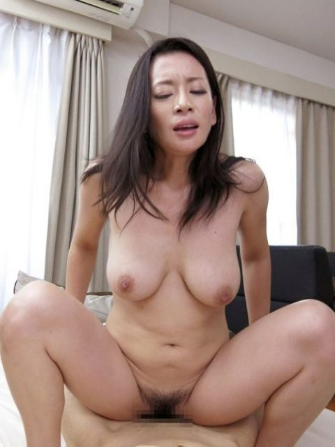 【エッチ画像】だらしない体した豊満熟女の放漫なセックス画像集(76枚)・37枚目