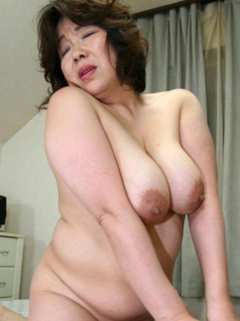 【エッチ画像】だらしない体した豊満熟女の放漫なセックス画像集(76枚)・42枚目