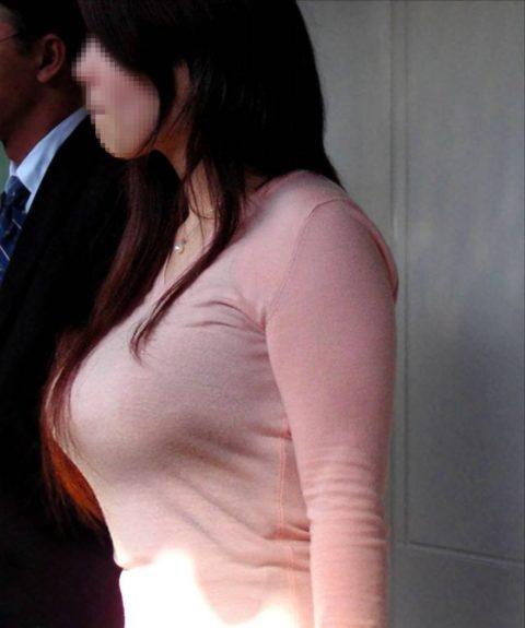 【着衣巨乳】街中で稀に見かける最強の巨乳女子たちを撮影した画像まとめ。(81枚)・77枚目