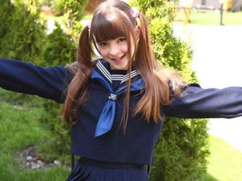 """ロシアの学校で撮影された""""女子生徒""""もう身体がエチエチすぎwwwwww(画像あり)・1枚目"""