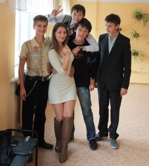 【女教師】高校や大学ならレイプされそうなロシアの先生たち。エロすぎwwwww・35枚目