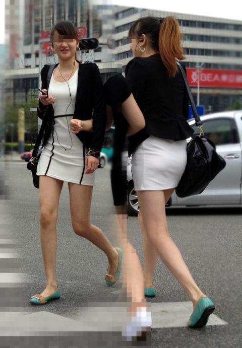 """【着衣巨乳】整形大国の韓国女さん、街中で撮影された""""おっぱい""""がこれwwwww・13枚目"""