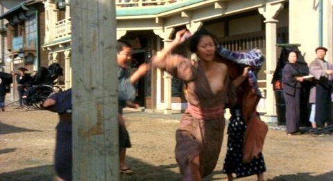 【時代劇】昔テレビで放送されてた「おっぱい丸出し」濡れ場シーンが結構イイwwwww・14枚目