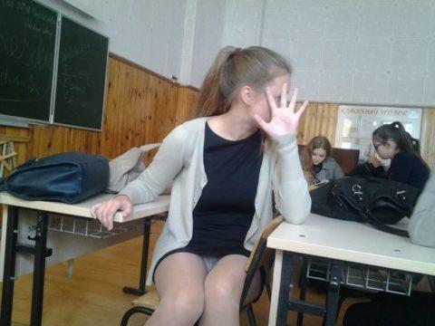 """ロシアの学校で撮影された""""女子生徒""""もう身体がエチエチすぎwwwwww(画像あり)・16枚目"""