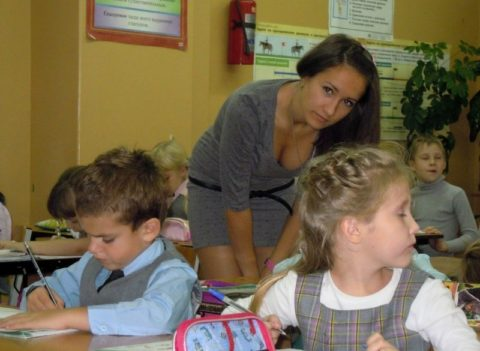【女教師】高校や大学ならレイプされそうなロシアの先生たち。エロすぎwwwww・24枚目