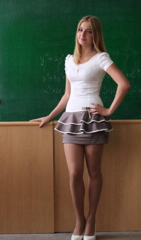 【女教師】高校や大学ならレイプされそうなロシアの先生たち。エロすぎwwwww・49枚目