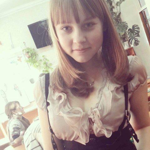 """ロシアの学校で撮影された""""女子生徒""""もう身体がエチエチすぎwwwwww(画像あり)・28枚目"""