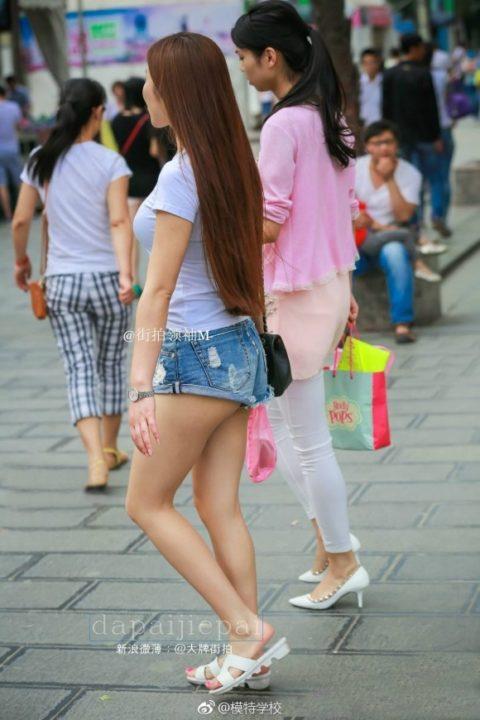 """【着衣巨乳】整形大国の韓国女さん、街中で撮影された""""おっぱい""""がこれwwwww・7枚目"""