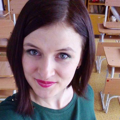 【女教師】高校や大学ならレイプされそうなロシアの先生たち。エロすぎwwwww・30枚目
