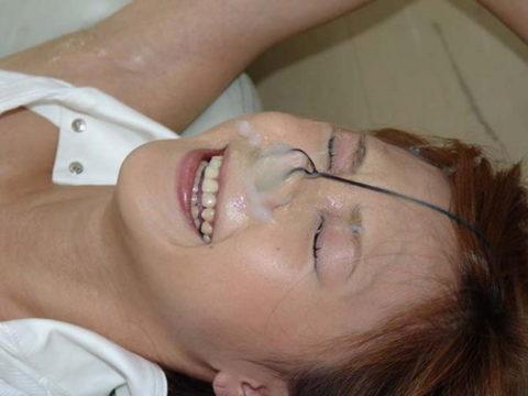 【エロ画像】鼻の中にダイレクト発射されたまんさん、この苦しみはヤバいwwwww・8枚目