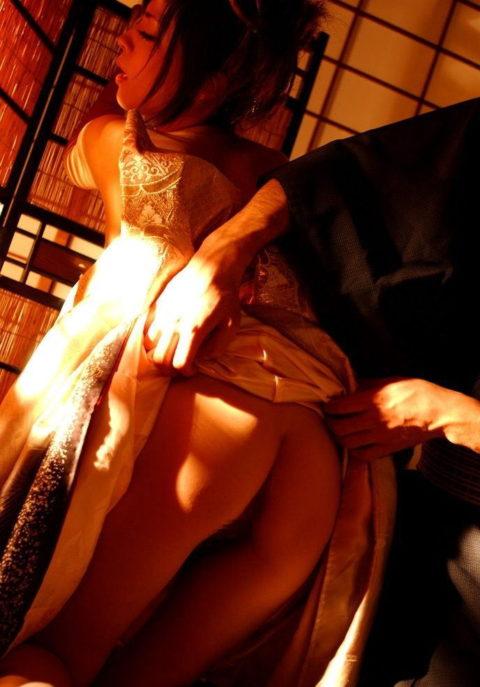 【エロ画像】成人式の日に確実に最も多い着衣セックスがこちら。・11枚目