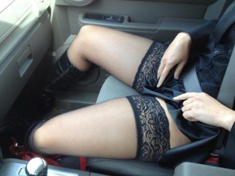 ミニスカ美女を助手席の乗せた結果。。ムラムラで事故りそうになるwwwww(画像あり)・24枚目