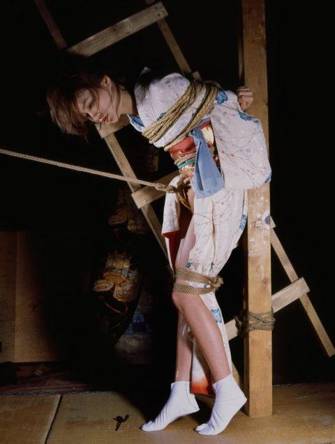 【エロ画像】成人式を迎えた娘が変わり果てた姿で撮影される・・・・7枚目