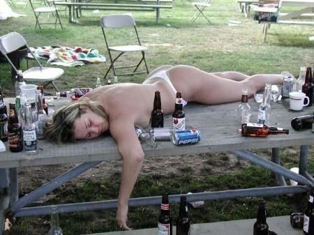 おっぱい丸出しで寝てる彼女激写したったwwwwww的なエロ画像(106枚)・48枚目