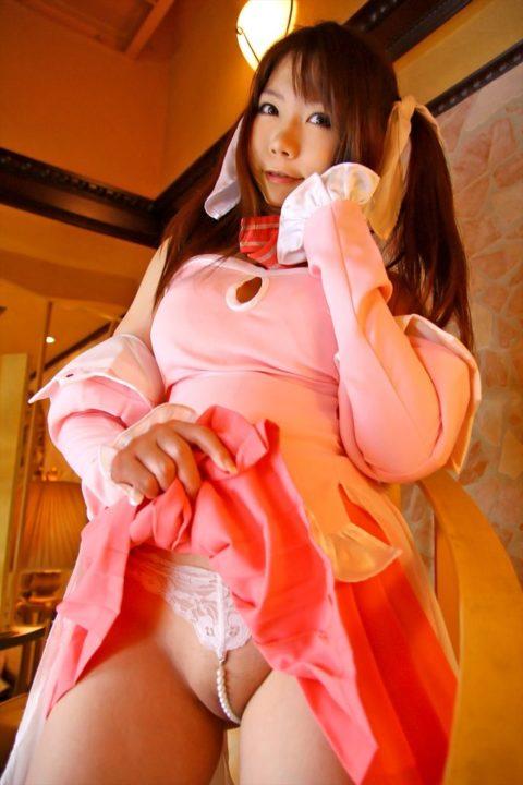 【エロ画像】パールをケツに食い込ませた有能女のエロ下着がコレwwwwww・19枚目