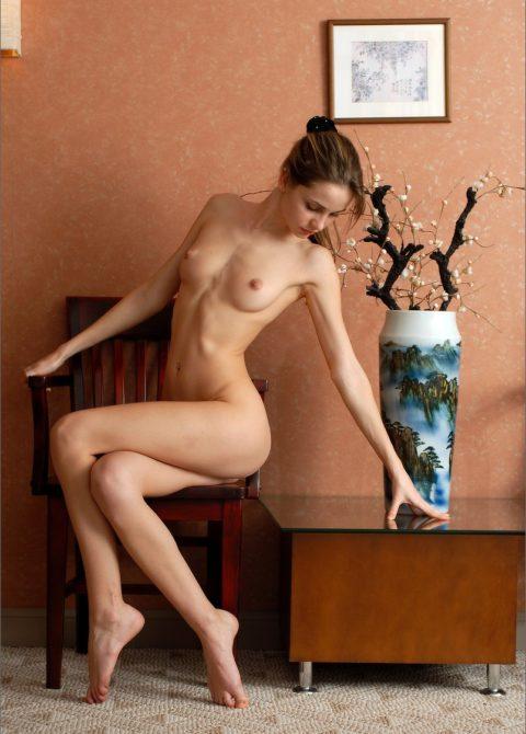 ロシアの風俗嬢がガチで天使すぎて勃起させると申し訳なくなるwwwwwww(エロ画像)・15枚目