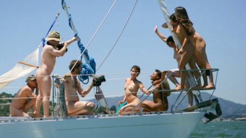 【エロ画像】海外の船上パーティー。このセレブの遊びは羨ましい・・・・21枚目