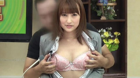 女子アナウンサーが本番中に本番セックスするっていう状況wwwwwww(エロ画像)・22枚目