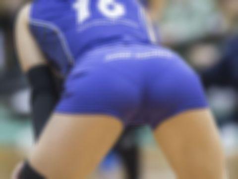 女子バレー(Vリーグ)の試合中にケツばっか撮影したヤツ誰やwwwwww(エロ画像)・1枚目
