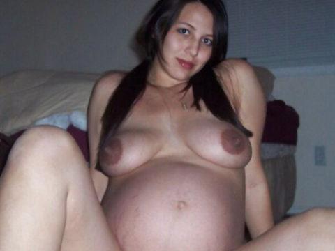 【ボテ腹】臨月妊婦の素人まんさん、ヌードを撮影して拡散する。。(30枚)