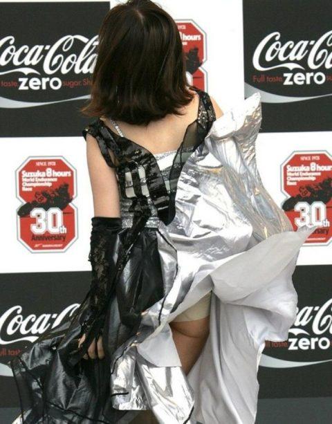 【エロ画像】イベントコンパニオンのカメラ小僧。マンコの撮影に成功するwwwwww・14枚目