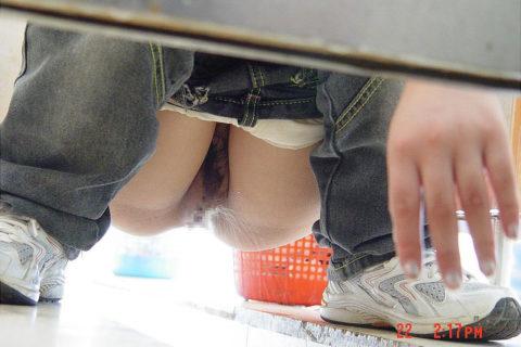 【盗撮】中国の「女子トイレ」が盗撮の宝庫だと話題に。。これはヒドイ・17枚目