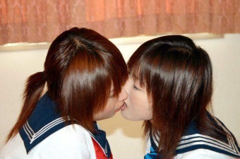 【エロ画像】清楚な女の子、制服でレズプレイしてるんだが…(エロ画像29枚)・25枚目