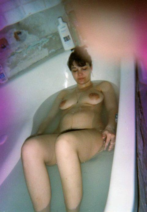 【ボテ腹】臨月妊婦の素人まんさん、ヌードを撮影して拡散する。。(30枚)・29枚目