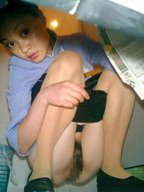 【盗撮】中国の「女子トイレ」が盗撮の宝庫だと話題に。。これはヒドイ・3枚目