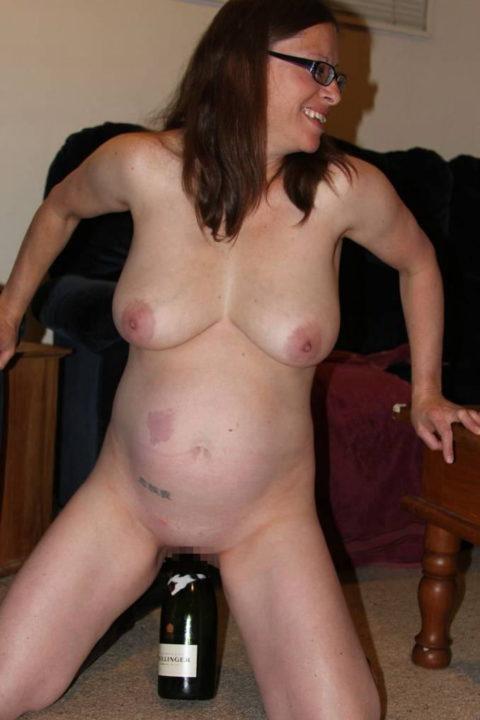 【ボテ腹】臨月妊婦の素人まんさん、ヌードを撮影して拡散する。。(30枚)・30枚目