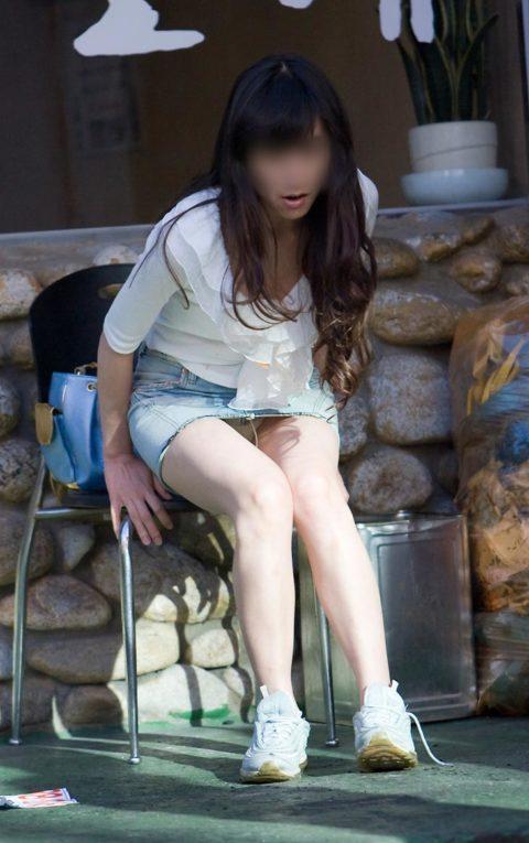 【街撮り】韓国の街中に蔓延る美脚美女を盗撮する犯罪者が撮影したモノwwwwww・5枚目