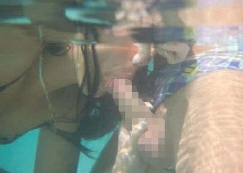 【エロ画像】性欲の為に命を懸ける男女がこちら。射精か溺死…・1枚目