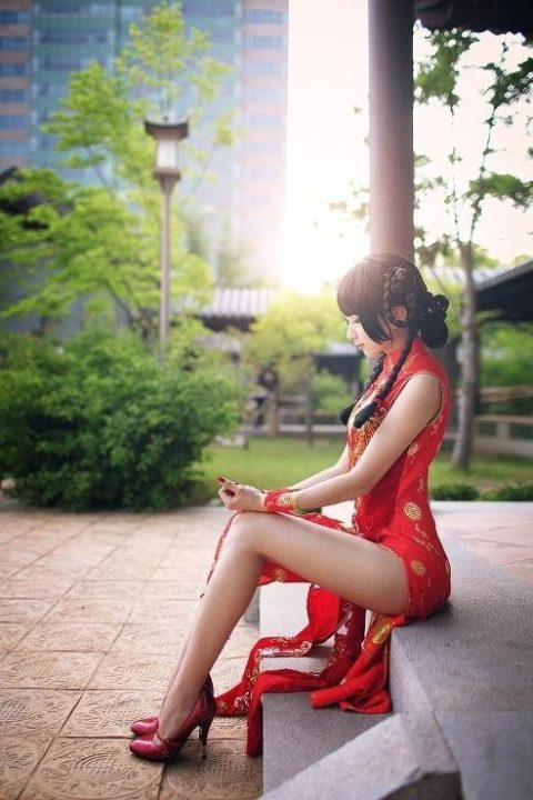 【エロ画像】現地に行って撮影してきた「民族衣装」本場のエロさはヤバいwwwwww・20枚目