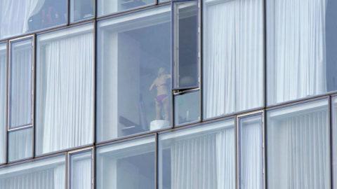 【盗撮】民家の窓を望遠で撮影した有能な奴が晒したエロ画像wwwwwww・28枚目