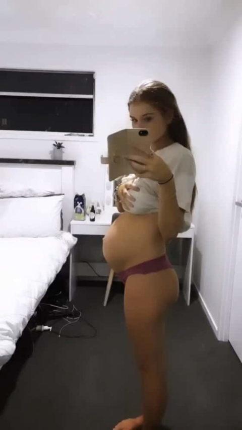 【素人エロ】若くして妊娠してしまった「ボテ腹女子」SNSにうpした画像wwwwww・30枚目