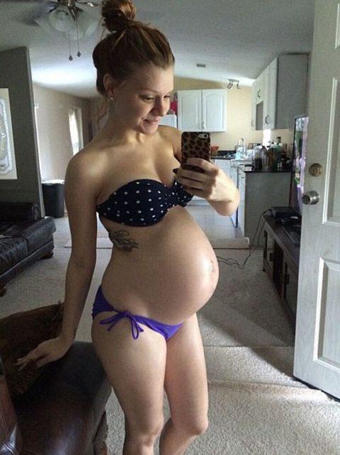 【素人エロ】若くして妊娠してしまった「ボテ腹女子」SNSにうpした画像wwwwww・32枚目