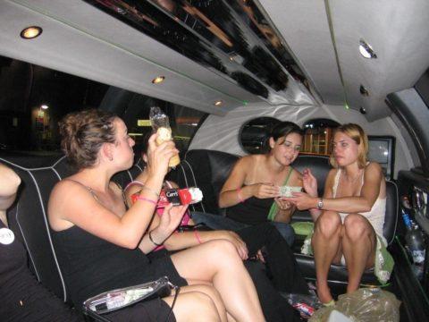 【エロ画像】流行りの リムジン女子会 で酒に飲まれた女の末路。。・5枚目