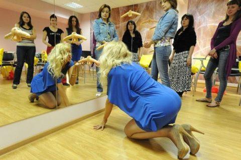 【ロシア エロ】ガチで存在する「フェラチオ教室」授業内容がこれ。サイコーwwwww・18枚目