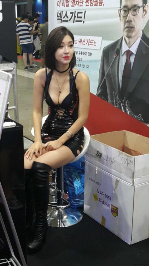 韓国の超絶美人なキャンギャルさん、顔も身体も最強レベルやった(エロ画像38枚)・18枚目