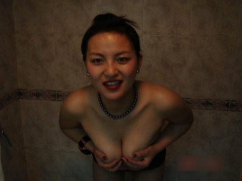 【売春婦】東南アジアの売春に行ったワイ、女を撮ったから晒す。感染怖くないか??・2枚目
