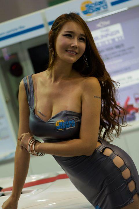 韓国の超絶美人なキャンギャルさん、顔も身体も最強レベルやった(エロ画像38枚)・28枚目