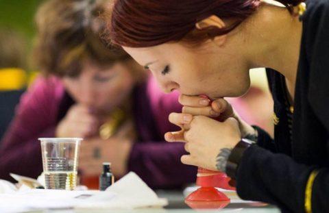 【ロシア エロ】ガチで存在する「フェラチオ教室」授業内容がこれ。サイコーwwwww・28枚目