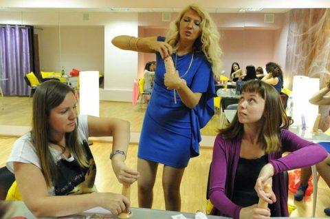 【ロシア エロ】ガチで存在する「フェラチオ教室」授業内容がこれ。サイコーwwwww・31枚目
