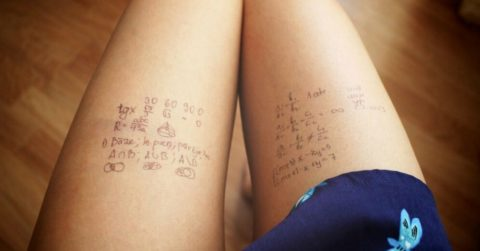女子大生エロいカンニング方法がこちら。。男子教員には絶対にバレないわwwwww(エロ画像)・32枚目