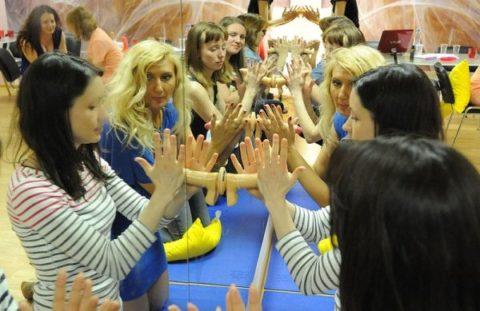 【ロシア エロ】ガチで存在する「フェラチオ教室」授業内容がこれ。サイコーwwwww・32枚目