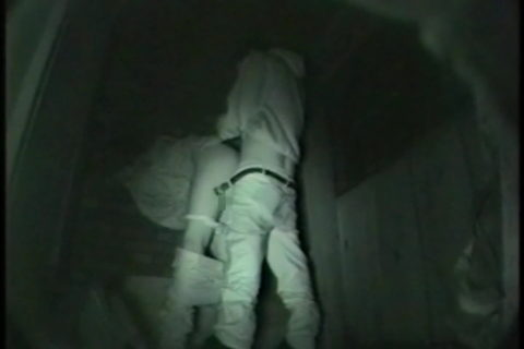 【エロ画像】夜の「青姦スポット」に赤外線カメラを仕込んだ結果wwwwwwww・35枚目