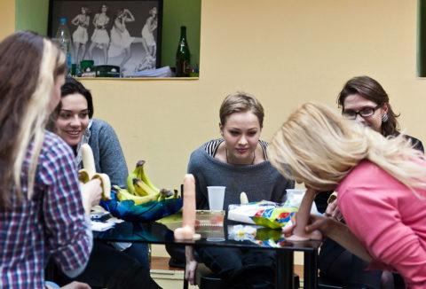 【ロシア エロ】ガチで存在する「フェラチオ教室」授業内容がこれ。サイコーwwwww・36枚目